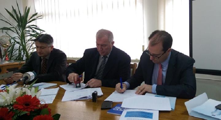 Fcc Europe Triple Contract