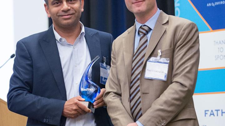 Content Dam Ww Online Articles 2016 06 Ashwin Gulati Of Spiral Water  Left  Accepts Bluetech Innovation Award From Paul O Callaghan Of Bluetech Research