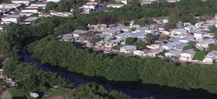 The Caño Martín Peña community. Photo: US EPA.