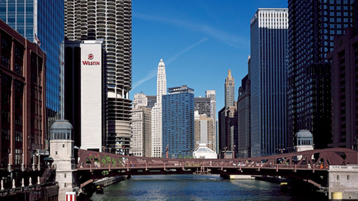 Content Dam Ww Online Articles 2017 01 Reflections Bridge Skyscrapers Chicago Water River 890354