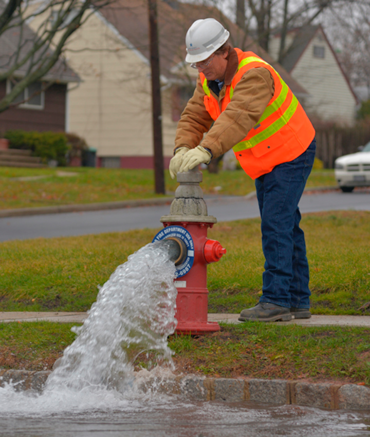 Content Dam Ww Online Articles 2017 03 Hydrant Flushing Cropped