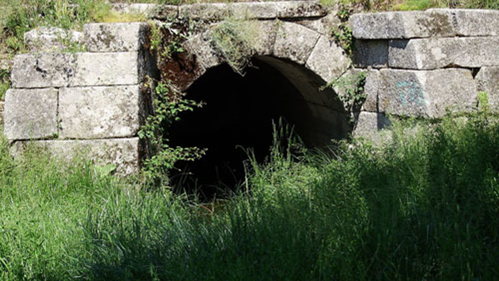 Content Dam Ww Online Articles 2017 04 1280px Roman Sewer At Galapagar  Spain