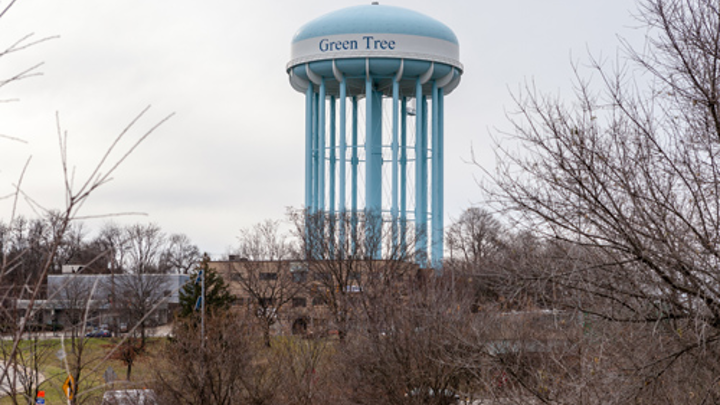 Awater tower in Green Tree, Pennsylvania. Photo: Wikimedia Commons.
