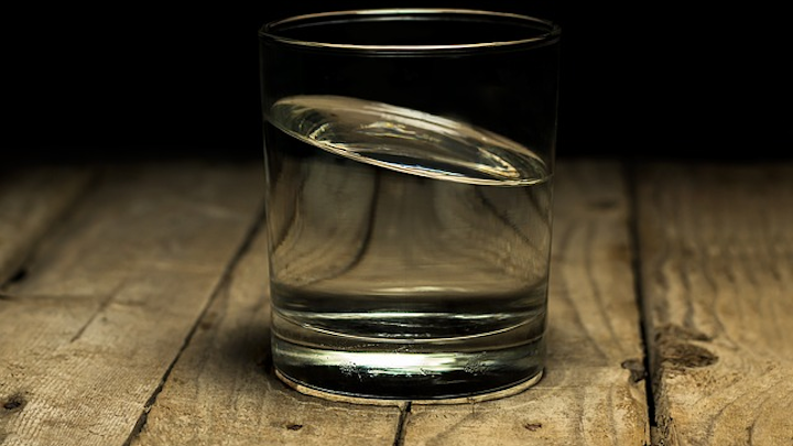 Content Dam Ww Online Articles 2017 08 Maxpixel freegreatpicture com Glass Filling Clear Glassy Liquid Calm Drink 2315559