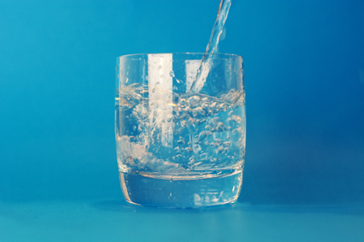Content Dam Ww Online Articles 2017 08 Water Glass Theme Water 16490 Copy