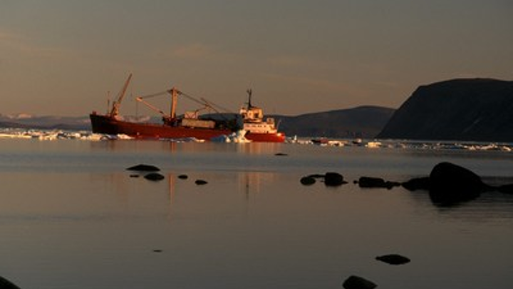 A ship with supplies for the Inuit community of Clyde River (also known as Kangiqtugaapik), Baffin Island, Nunavut, Canada. (c) Peter Ewins / WWF-Canada (CNW Group/WWF-Canada)
