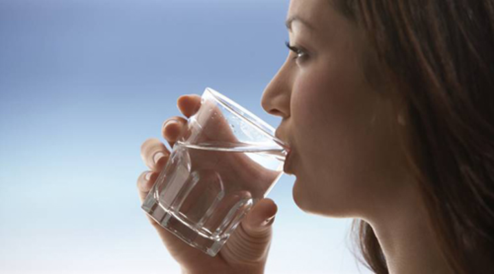 Content Dam Ww Online Articles 2016 12 Drinking Water 759 Thinkstockphotos 78619038