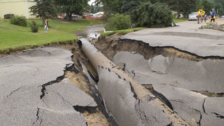 Content Dam Ww Online Articles 2016 12 Fema   31750   Minnesota Road Damaged By Flood Waters