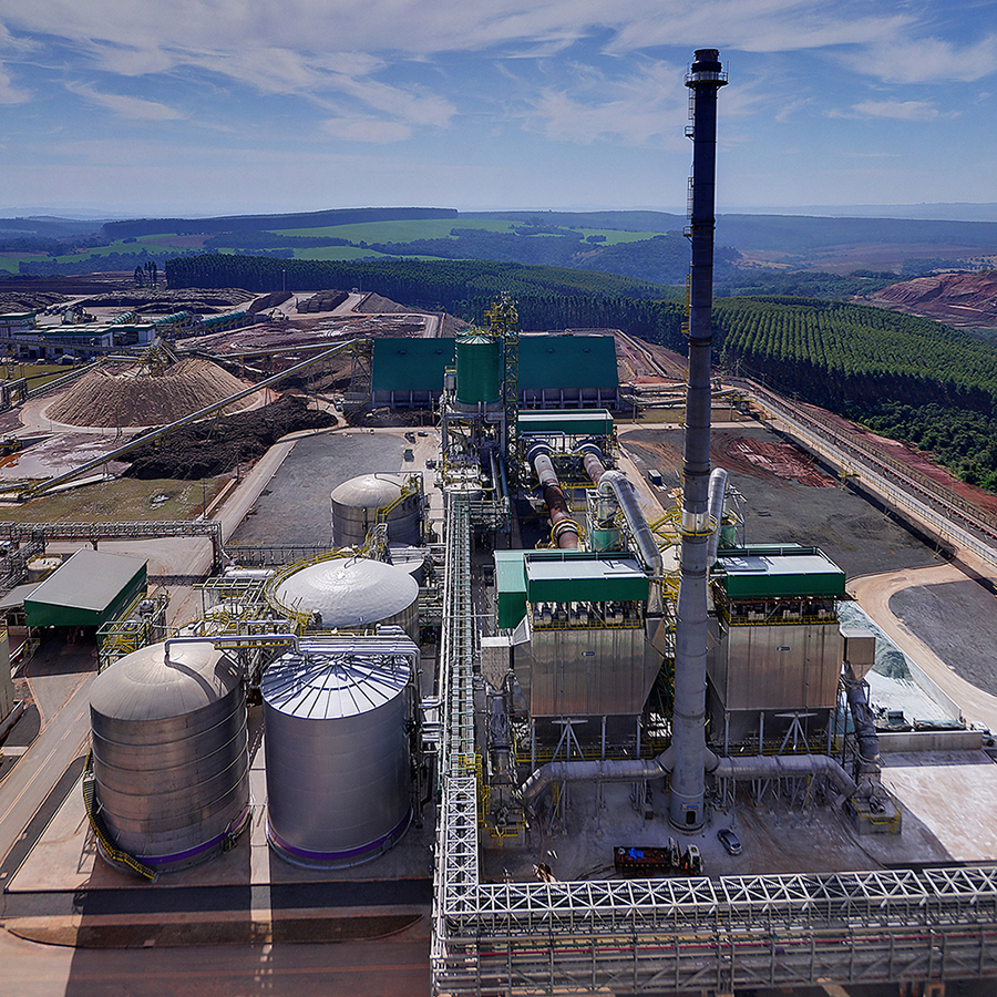 The white liquor plant delivered by ANDRITZ in 2016 for Klabin's pulp mill in Ortigueira, Paraná, Brazil, has one of the world's largest recausticizing plants, with 16,000 m3 white liquor production daily.
