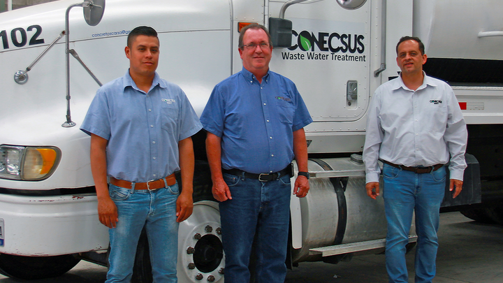 L-R: Manuel Tapia, Commercial Manager; Steven Butler, General Director; and Gilberto Cifuentes, Operations Director.