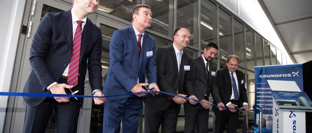 The ribbon-cutting at the opening ceremony of Grundfos BioBooster, Indjija, Serbia.