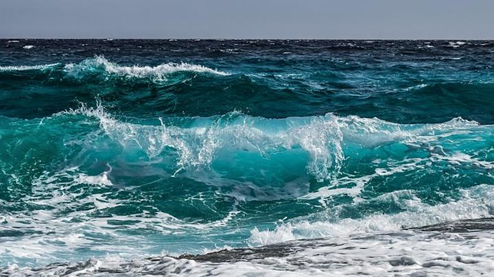 Wave 3473335 640